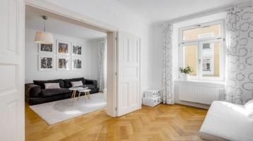 Exzellent sanierte 4-Zimmer-Altbauwohnung mit Balkon