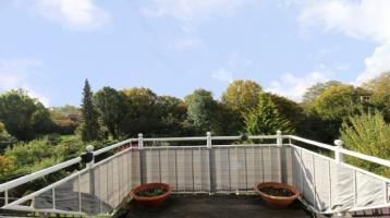 Puchheim: Ruhig gelegene Doppelhaushälfte mit großem, sonnigen Garten