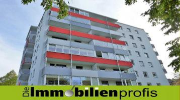 3076 - Bayreuth von oben: Eigentumswohnung mit Balkon und herrlicher Fernsicht