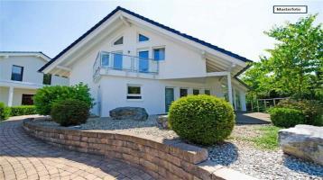 Zweifamilienhaus in 07318 Saalfeld, Klostergasse