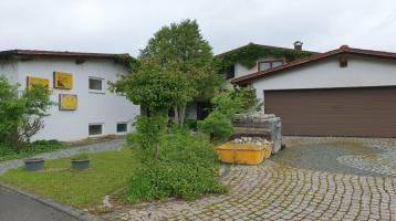 Halle, nutzbar für Gewerbe mit Wohnhaus an der A7 zu verkaufen