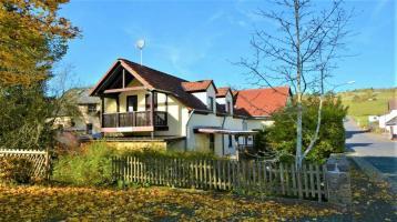 Zwei ruhig gelegene, renovierte Wohnhäuser in Lissendorf