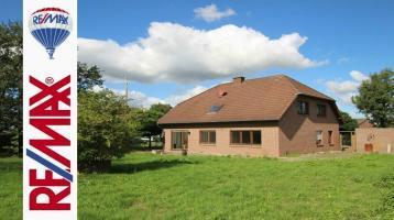 Geräumiges Ein- oder Zweifamilienhaus mit viel Potenzial !