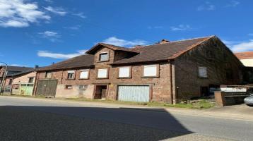 Wohnhaus mit Scheune / sanierungsbedürftig