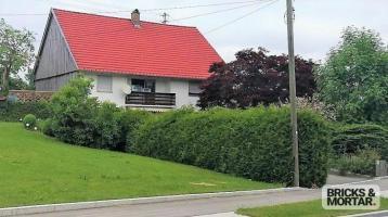 Achtung! Einfamilienhaus mit Halle und Kfz-Grube auf großem Grundstück mit Anbaumöglichkeit!