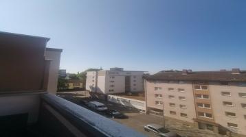 Penthousewohnung in Wohlg. mit Dachterrasse, Saniert(130m2,3,5Zi)