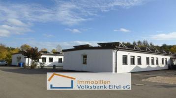 Vielseitig nutzbare Büroflächen (ca. 633 m²) inkl. großem Shelter und 1,7 Hektar Land!