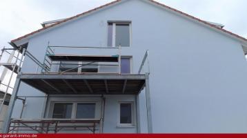 Kernsnaierte Wohnung im 1. Obergeschoss mit großem Balkon!