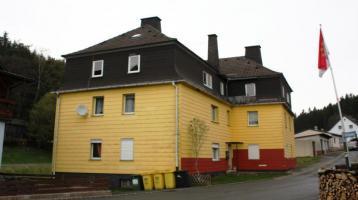 Zwangsversteigerung - Mehrfamilienhaus in 96355 Tettau-Alexanderhütte