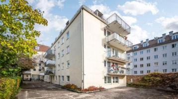 Bezugsfreie, komplett gestrichen, frisch geschliffenes Echtholzparkett: 2-Zimmer-Wohnung in Neuhausen, unweit des Olympiaparks