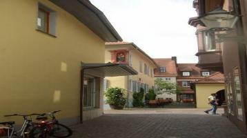 Ettlingen-Stadt: Große 3-Zimmer-ETW mit Balkon und Garagenstellpl. in ruhiger, angenehmer Stadtlage
