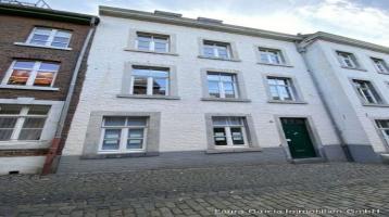 Laura Garcia Immobilien- Eine Maisonette-Wohnung in einem Denkmalschutz- MFH (4 Einheiten insgesamt)