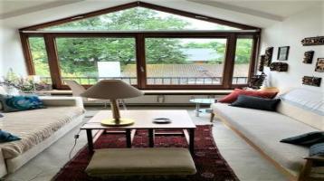 Wohnen in München Solln! Individuelle Dach-Maisonette-Wohnung mit schönem Balkon!