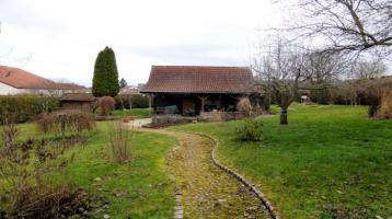 Gartengrundstück mit solidem Gartenhaus in Riedbach wartet auf neue Nutzung