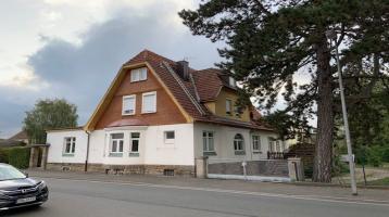 ehemalige Unternehmervilla - z.Z. vier Wohnungen. 310m² Wohnfläche - 2740m² Grundstück!