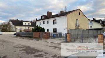 Geräumige 2,5-Zimmer-Wohnung in einem 2-Familien-Haus in Waldperlach