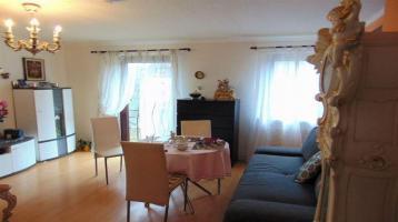 Helle 2-Zimmerwohnung mit großem Gartenanteil