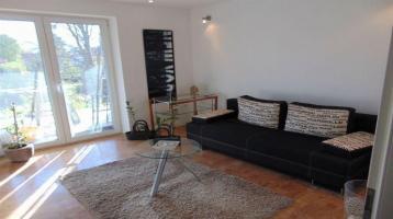 Kernsanierte - 2-Zimmer Wohnung inklusive Küche - möbiliert - Balkon und großem Gartenanteil