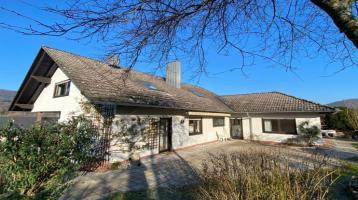 Großes Familienglück: Einfamilienhaus mit ELW und herrlicher Aussicht