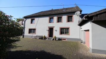Landhaus mit Nebengebäuden zwischen Bitburg-Prüm...Pferdehaltung optimal