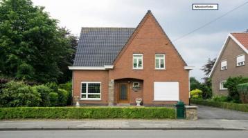 Doppelhaushälfte in 96355 Tettau, Rosengasse