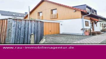 DHH mit romantischem Garten, Sauna und Hobbyraum in attraktiver Lage