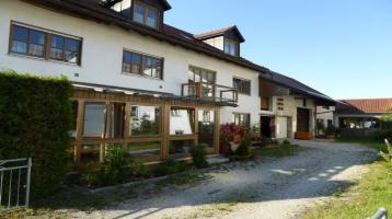 KAINZ-IMMO.DE - Mehrfamilienhaus mit 4 Wohneinheiten und ehem. Gewerbefläche