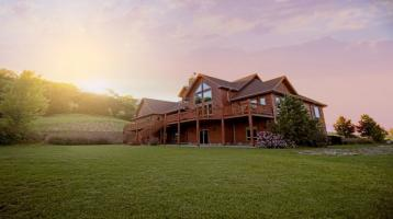 Alleinlage mit Fern- und Bergblick: Zweifamilienhaus (Rohbau) als Doppelhaus mit Garten