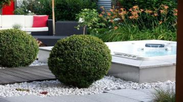 Ruheoase mit schönem Garten und großen Wohnbereich in Cham - Urlaub zu Hause -