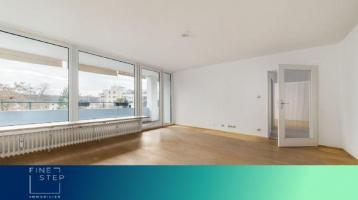 Sehr schöne und helle 3-Zimmer Wohnung mit Balkon und Blick über den Olympiapark