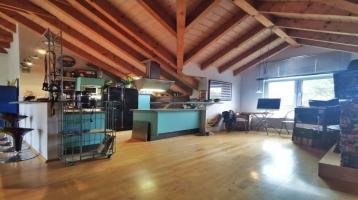 Wohnen auf hohem Niveau: Individuelle DG-Wohnung (3ZKB/100m²) mit Loft-Charakter in Waldbüttelbrunn