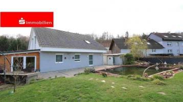 *Neuwertiges Einfamilienhaus in Randlage Wächtersbach OT*