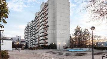 Aktuell renoviert: 2-Zimmer-Wohnung mit Terrasse in München-Moosach