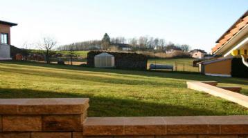Traumhaftschönes EFH mit Einliegerwohnung und riesigem Garten