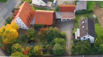 Ihr Traum wird wahr. Herrschaftliches Anwesen (2 MFH, Scheune, Garagen etc.) mit viel Potential auf einem ca. 2.607 qm Grundstück