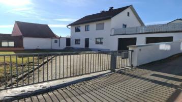 NEUMANN - Charmantes Handwerkerhaus mit drei Garagen & Dachterrasse in zentraler Lage