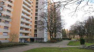 Neuperlach Sofortbezug: Ausgezeichnet geschnittene 3 Zimmer Wohnung mit 2 Balkonen und Essdiele