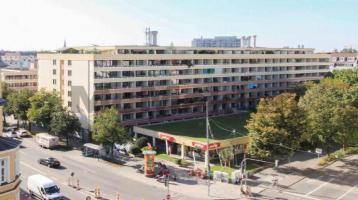 Hell, gepflegt, gut angebunden: Vermietetes Apartment mit Balkon und Duplex-Stellplatz in der Au!