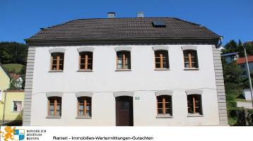 Haus zum renovieren - mit vielseitigen Nutzungsmöglichkeiten - Jetzt Immobilie kaufen, Sachwerte sichern und Träume vom Eigenheim realisieren