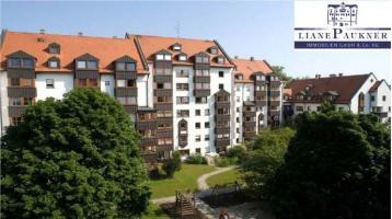 Renovierungsbedürftige, großzügige 3,5-Zimmer-Wohnung zentrumsnah mit TG auch zum Eigenbedarf**