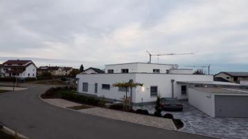 Modernes 2-Familien-Architektenhaus mit gehobener Ausstattung und vielen Extras.