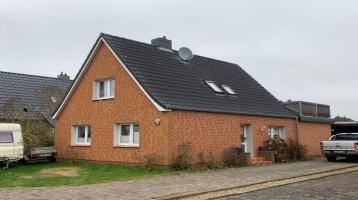 Komplett modernisiertes Siedlungshaus mit großem Anbau und Dachterrasse