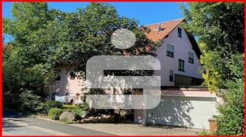 Großzügiges Zweifamilienhaus in Adelsdorf-Neuhaus