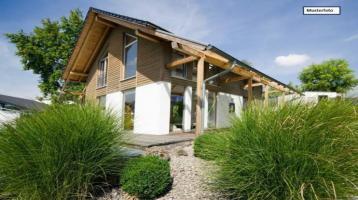 Ein/Mehrfamilienhaus in 91080 Uttenreuth, Esperstr.