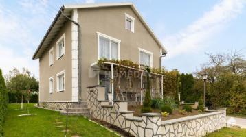 Attraktives Einfamilienhaus mit Terrassengarten in guter Lage