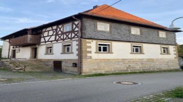 Ehemaliges Bauernhaus mit großen Grundstück und viel Potential