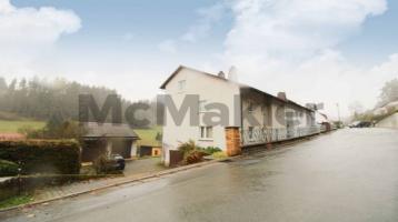 Großzügiges 1- bis 2-Familienhaus mit 2 Balkonen und Terrasse in idyllischer Lage von Kronach