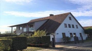 Viel Platz für die Familie! Großes Wohnhaus mit zwei Wohnungen, Doppelgarage und Carport in ruhiger Lage von Herzogenaurach