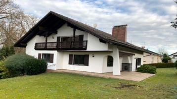 Repräsentatives Einfamilienhaus mit Ausbaupotenzial in ruhiger Lage in Dingolfing