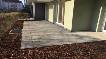 Citylage - geräumige 4 ZKB Terrassenwohnung mit 2 Terrassen und 226 qm Gartenanteil